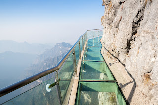Pic of glass walkway hanging from cliff edge