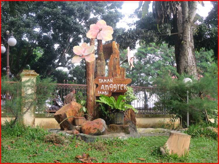 Foto Taman Mini dan Taman Rimba Jambi