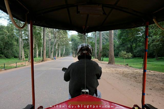 sewa tuktuk keliling angkor wat siem reap