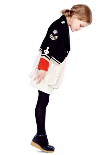 #StellaMcCartney  #estilomilitar #modaniña #PequeñaFashionista