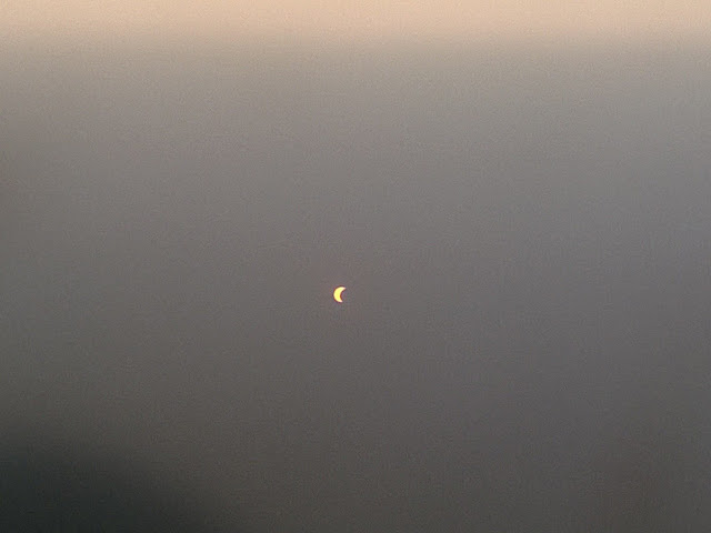 Thời tiết ở các tỉnh miền Tây Nam bộ sáng hôm nay rất tốt để quan sát Nhật thực. Đây là hình ảnh Nhật thực một phần ở Cần Thơ chụp bởi bạn Trường Huỳnh.
