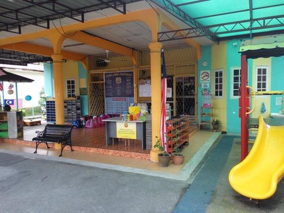 bersih dan kemas tadika ni