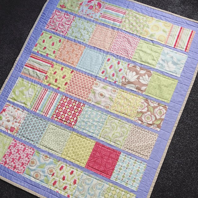 How to make an appliquéd strip quilt ~ tutorial by Threading My Way