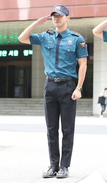 Dedikodu//Super Junior Siwon Yuvasına Döndü
