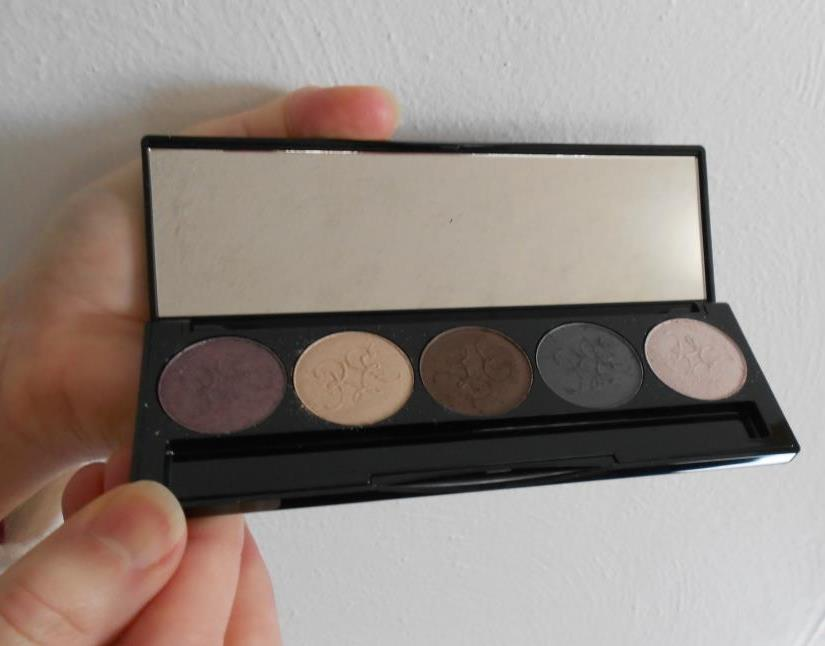 Phanes eye shadow palette.jpeg