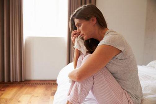 Mujer llorando por un hombre casado