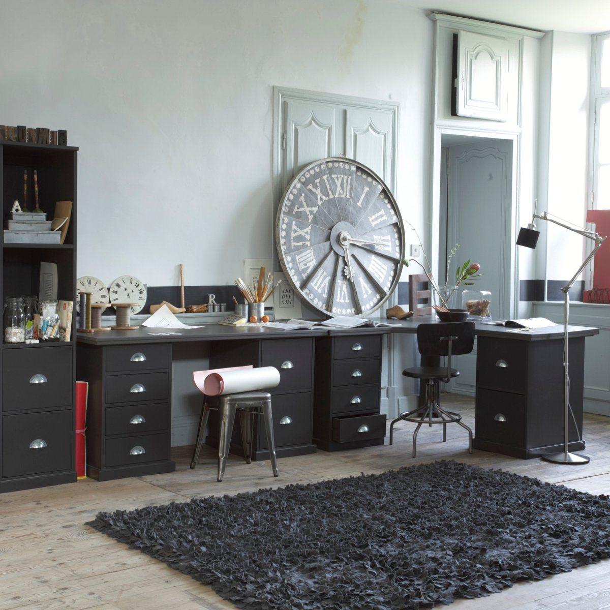d co industrielle pour ce bureau atelier domin par une grande horloge r tro dekobook. Black Bedroom Furniture Sets. Home Design Ideas