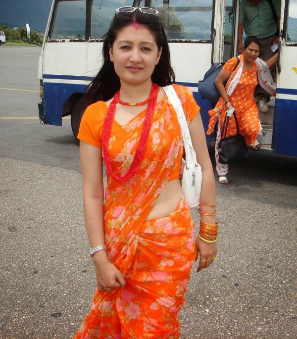 Nepali Heroin Saree Photos: SabHot: Sexy Nepali Bhabhi In Saree