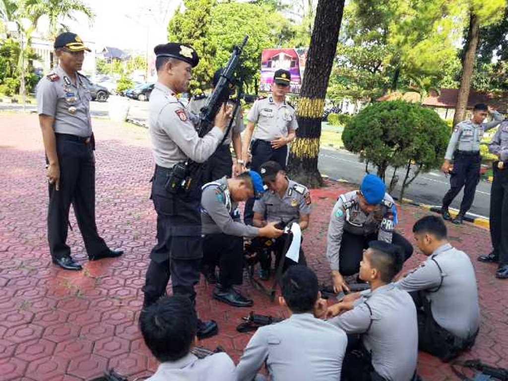 Senpi Anggota Polres Subang DIcek