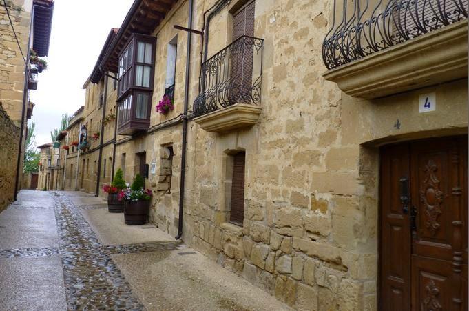 Casas de piedra de Sajazarra.