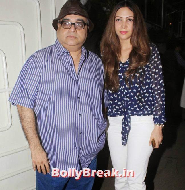 Raj Kumar Santoshi with Wife Manila Santoshi, Preeti Desai, akshay Kumar at Holiday Special Screening