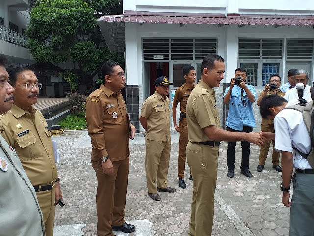 Wagubsu Tinjau Hari Pertama Pelaksanaan UN di SMK 10 Medan