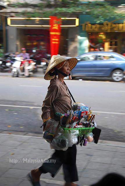 Hanoi Lady Hawker
