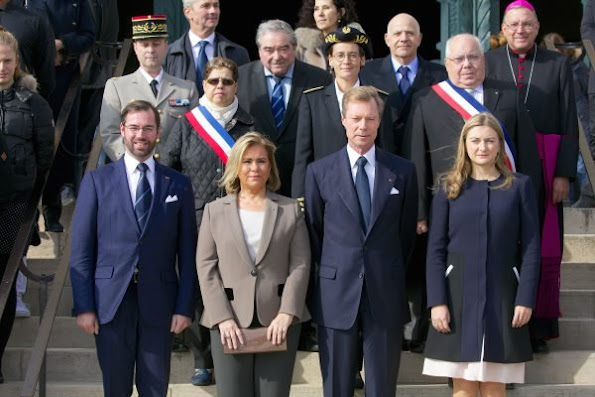 Grand Ducal Family mark 100 years since battle of Verdun, Princess Stéphanie pregnant, Palace of the Grand Dukes (Palais Grand-Ducal) announced that Hereditary Grand Duchess Stéphanie was pregnant style fashions dress