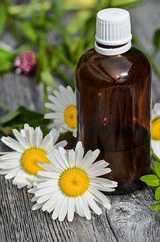 L'olio di mandorle: multiuso per mamma e bambini