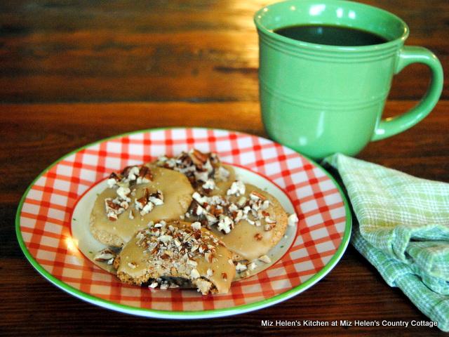 Texas Pecan Praline Cookies at Miz Helen's Country Cottage