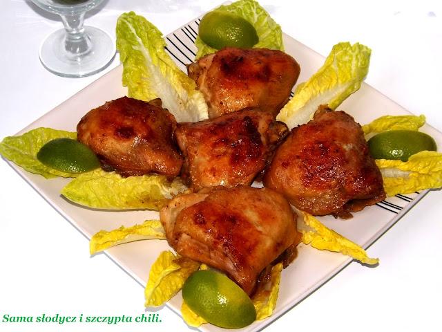 Udka z kurczaka w marynacie klasycznej, pieczone w rękawie.