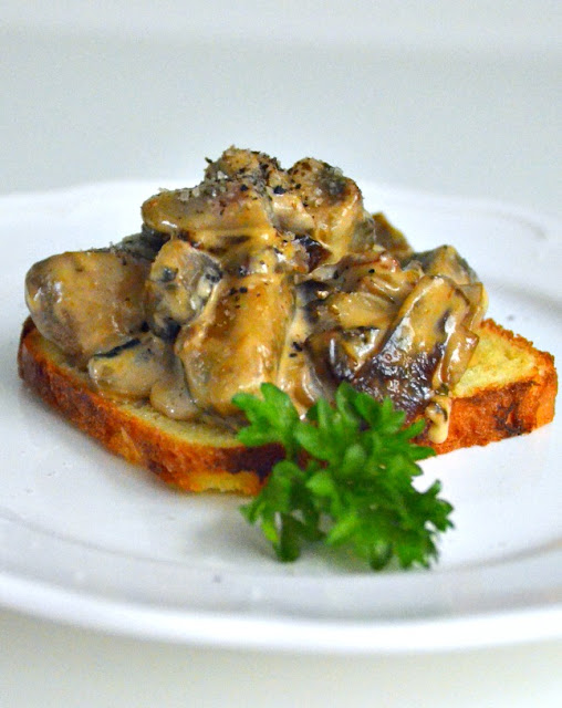 TOASTED BRIOCHE WITH BOOZY MUSHROOMS
