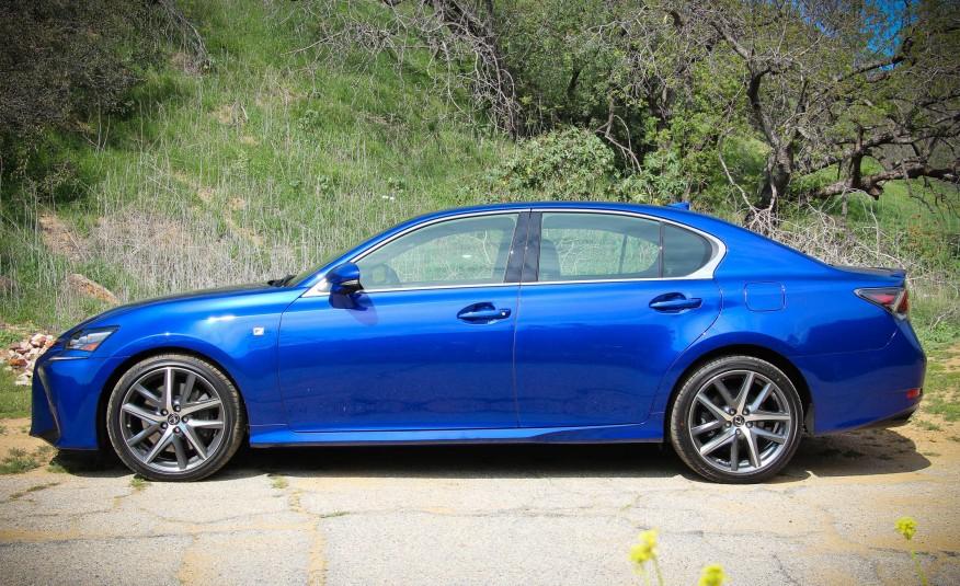 Lexus GS350 2016 có quá nhiều nét giống với BMW 3 Series