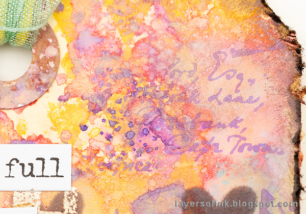 Layers of ink - Pastel Easter Tag Tutorial by Anna-Karin Evaldsson. Ink with Distress Oxides.