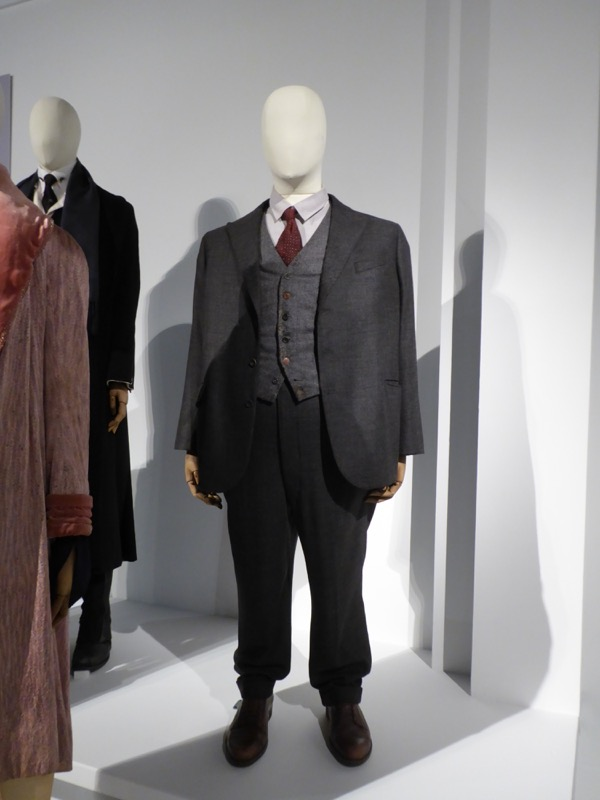 Fantastic Beasts Jacob Kowalski movie costume