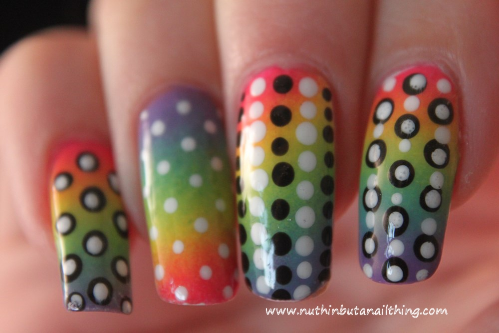 nail art polka dots rainbow