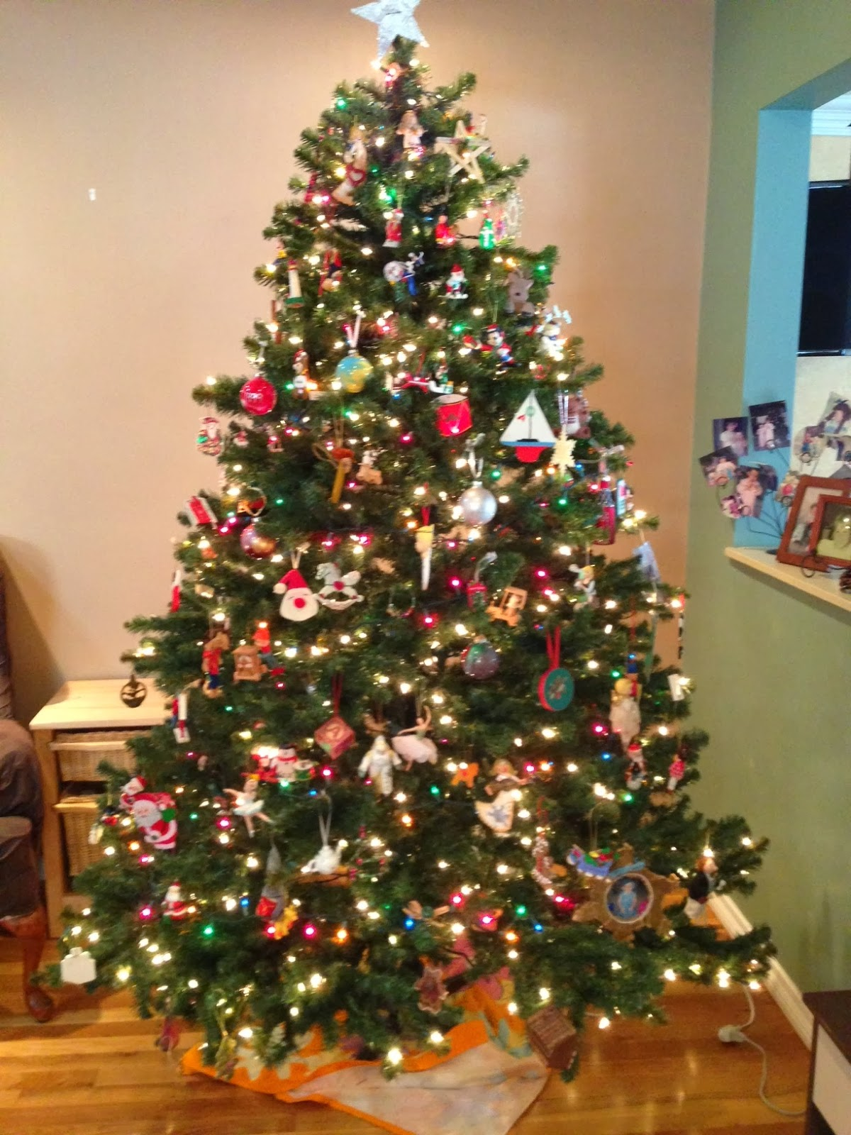 Images Of Christmas Tree With Colored And White Lights Home