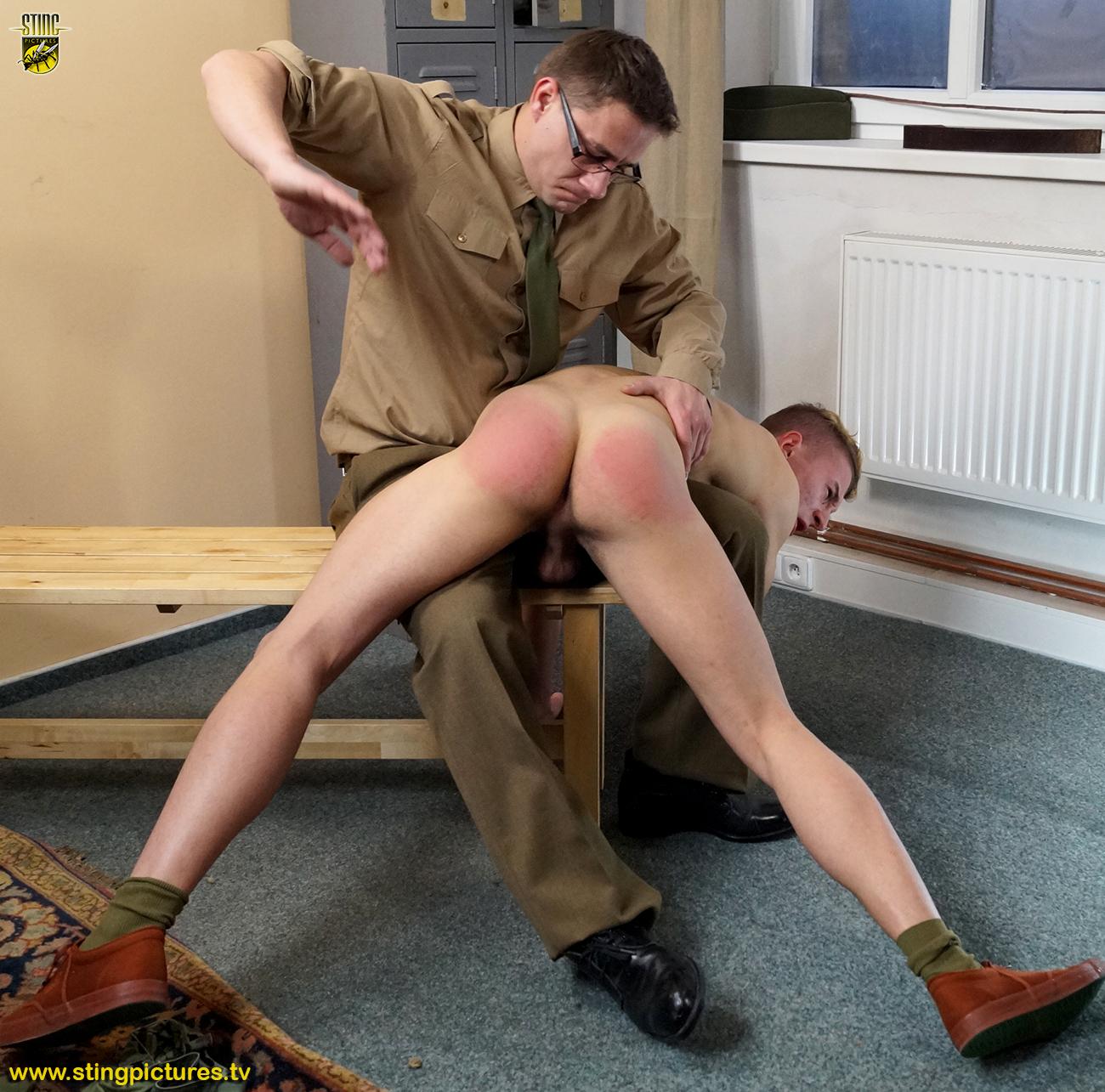 lash-flog-naked-butt-punish-army