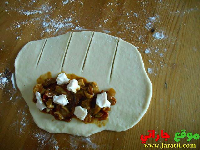 فطائر بحشوة الدجاج شهيوة من شهيوات رمضان