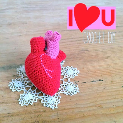 Amigurumi Crochet Heart anatomically correct