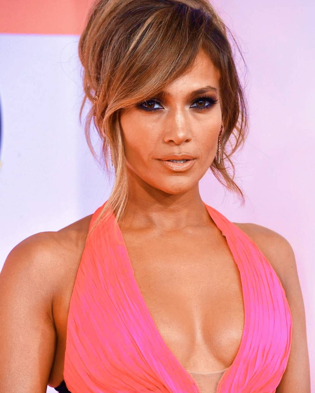Jennifer Lopez Looks So Hot in this Photo Gallery