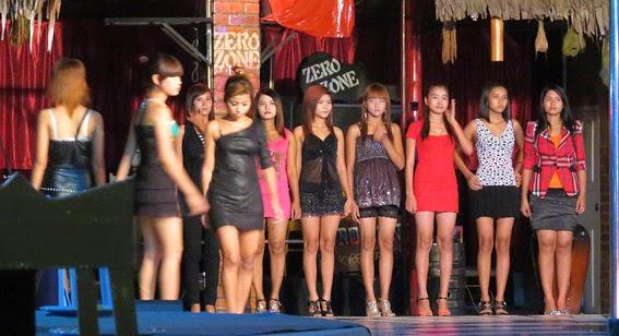 Nightclub show in Chinatown