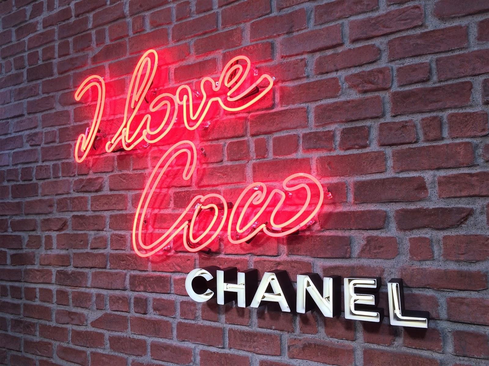 Coco Loves LA