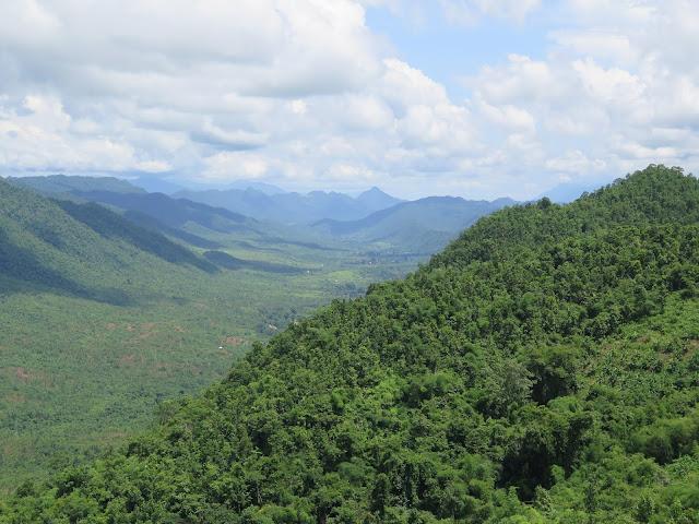 Paisajes montañosos de los alrededores del Lago Inle