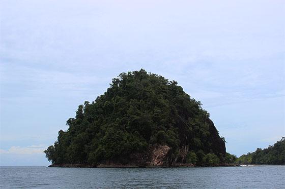 Pulau Sironjong Besar di Wisata Mandeh