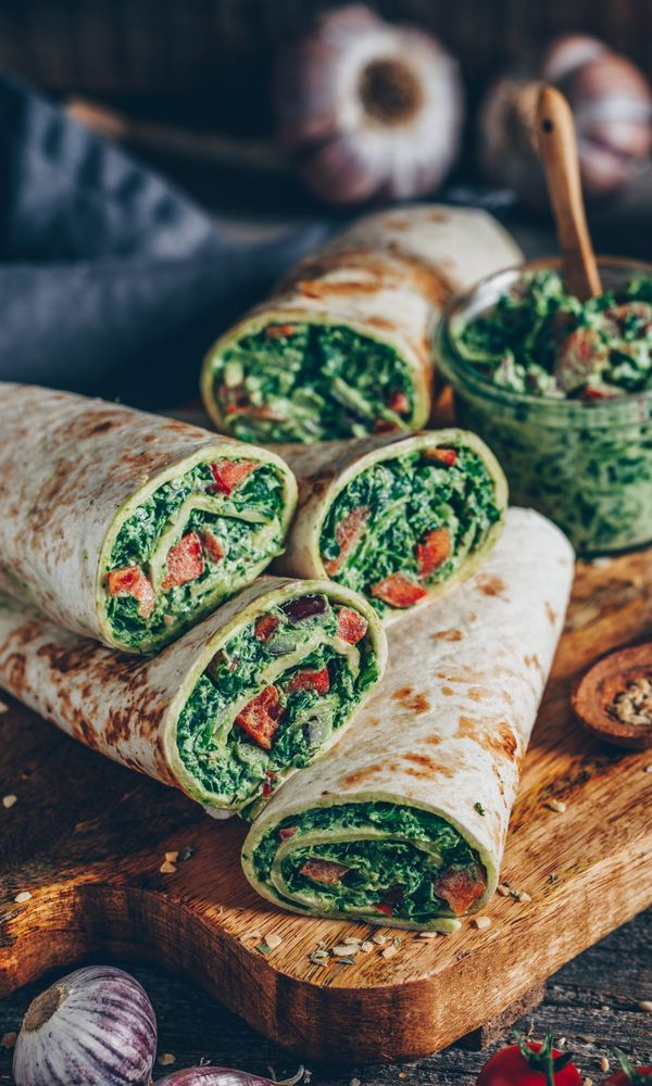 14. Spinach wraps with cashew cheese Finding it hard to stay healthy at Christmas? 30+ Healthy Christmas Dinner Ideas for Entire Christmas Month. christmas dinner food ideas | christmas holiday dinner ideas | christmas dinner meals | christmas dinner hosting | hosting christmas dinner #healthyrecipes #healthyfood #healthyeating #healthyliving