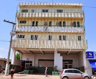 Resultado de imagem para prédio da prefeitura de itaituba
