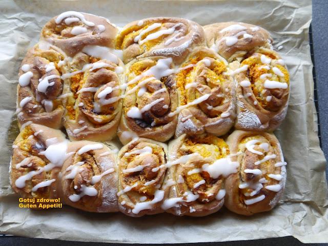 Cynamonowe rollsy z marchewkowym nadzieniem - Czytaj więcej »