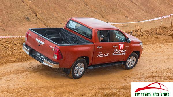 Giá xe, thông số kỹ thuật và đánh giá chi tiết bán tải Toyota Hilux 2018 nhập khẩu - ảnh 41
