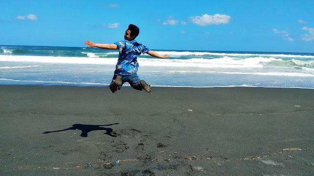 Pantai Pelangi Jogja, Wisata Baru dan Lokasi Pelepasan Anak Penyu (Info Terlengkap dan Terbaru)
