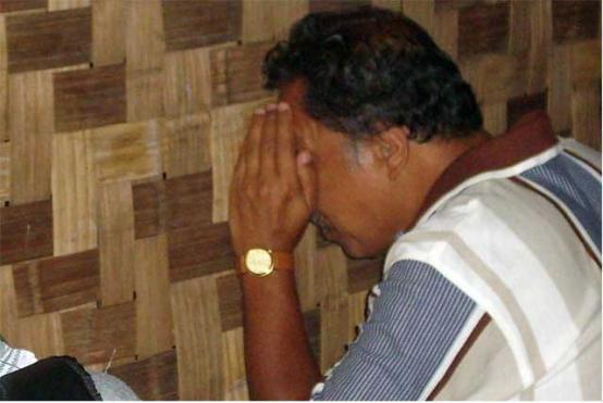 Intip Istri Tetangga Mandi Pria ini Malah Tewas Mengenaskan Karena Kejadian Tak Terduga