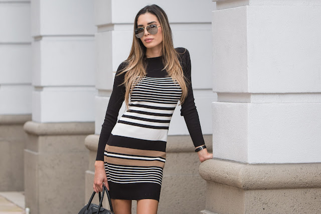 870cd0775f57 I kept the look simple with mirrored Céline aviators and a black Givenchy