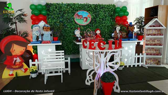 Decoração Chapeuzinho Vermelho para festa de aniversário infantil - Mesa temática decorada na Barra - RJ