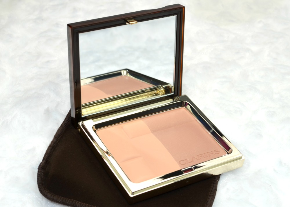 Image of the open bronzer compact
