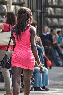 mujeres-nalgonas-vestidos-ajustados