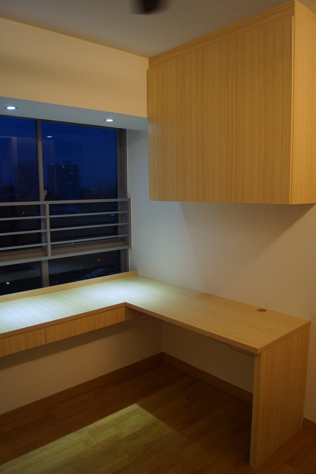 Singapore Hdb Room With Study Table: Plaster Ceiling & Partition Drywall Singapore: The Peak