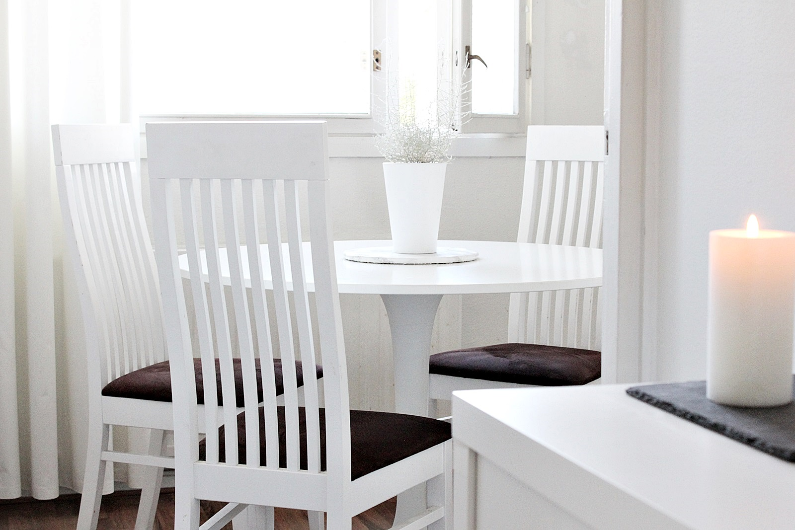 Ikea docksta round table pyöreä pöytä