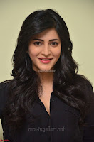 Shruti Haasan Looks Stunning trendy cool in Black relaxed Shirt and Tight Leather Pants ~ .com Exclusive Pics 048.jpg