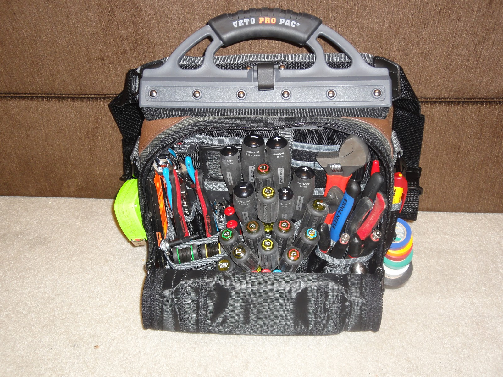 HVAC Student s Tool Bag - Veto Pro Pac Tech LC.