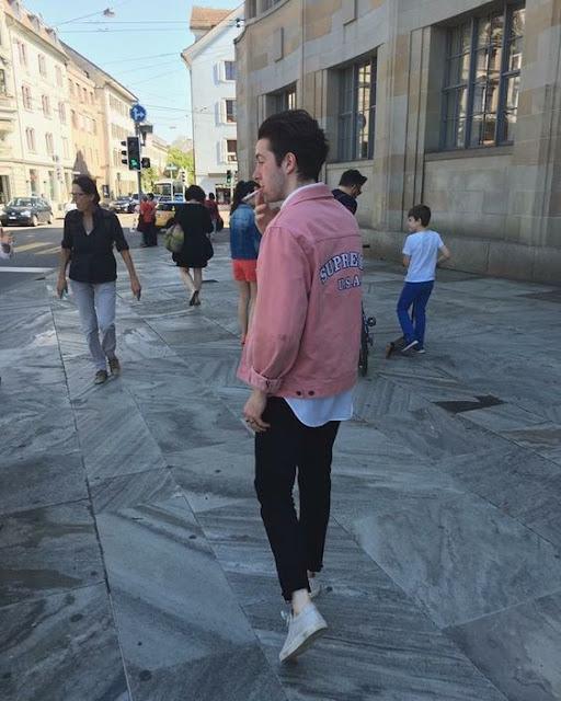 look masculino jaqueta jeans rosa